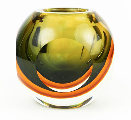 Murano glass vase. via Vaunte. https://www.vaunte.com/items/murano-brown-bowl-873982980?medium=HardPin&source=Pinterest&campaign=type534&utm_source=Pinterest&utm_medium=Hellosociety&utm_campaign=type534&utm_content=1270